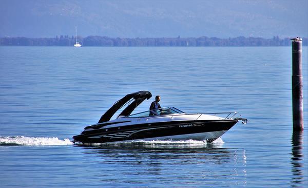 korzystny wynajem łodzi motorowych bez uprawnień - mazury