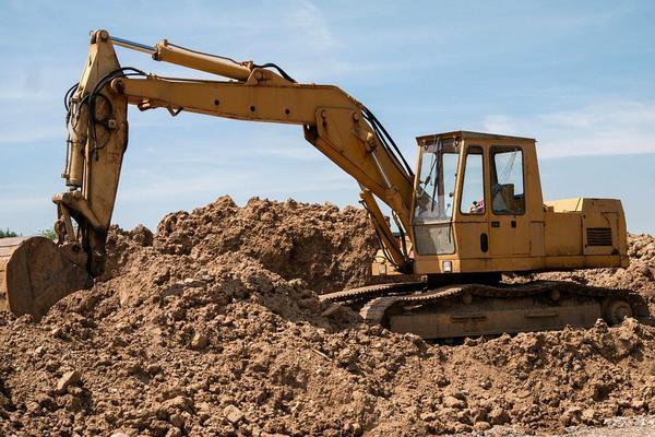 tulejowanie maszyn budowlanych