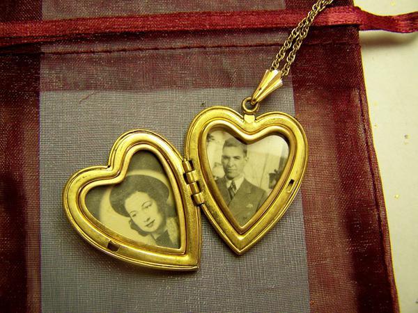 medaliki złote
